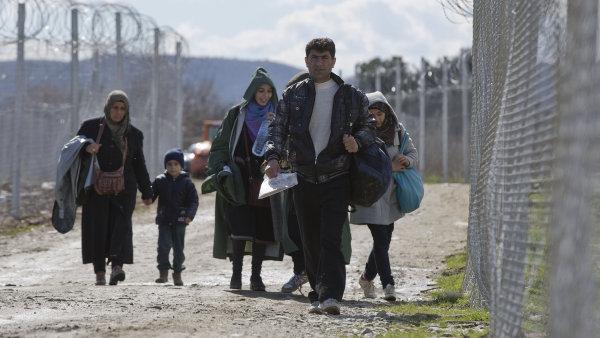 Do Řecka bylo za posledních 24 hodin dopraveno 2293 uprchlíků.
