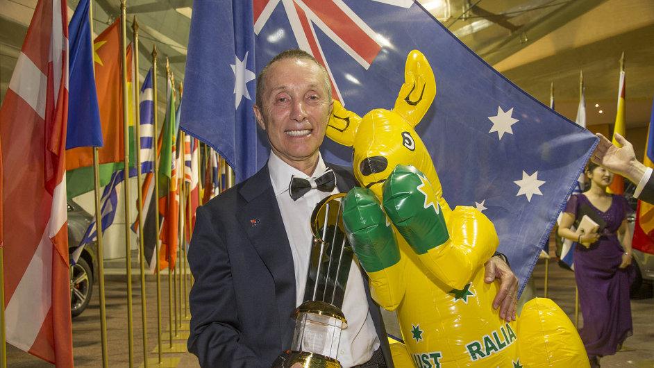 Australan s polskými kořeny:Titul EY Světový podnikatel roku získal Australan Manny Stul, majitel firmy na výrobu hraček Moose Enterprise.