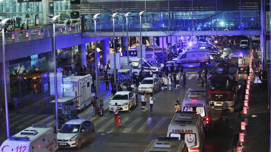 Letiště v Istanbulu po úterních útocích