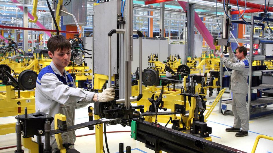 Firmy v Česku dlouhodobě trápí nedostatek pracovníků. Nejčastěji hledají technicky vzdělané nebo méně kvalifikované dělníky.