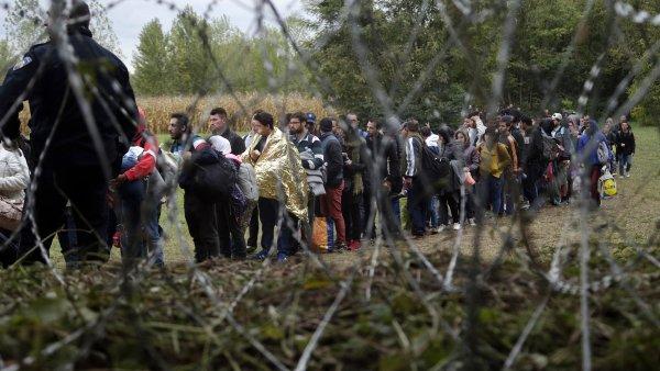 Orb�n chce vyu��t uprchl�k� a st�t se v�dcem konzervativn� Evropy. P�ed referendem vede extr�mn� vypjatou kampa�
