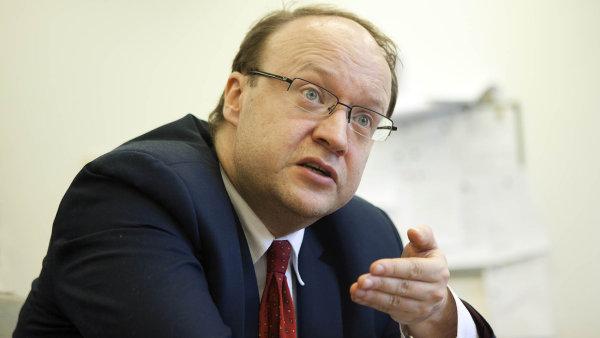 Strážce eurofondů: Náměstek ministra průmyslu Tomáš Novotný ujišťuje, že schvalování dotací už nabírá vyšší tempo.