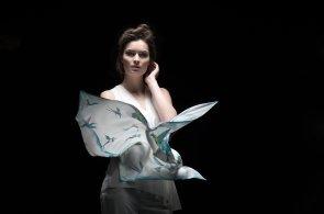 Láska jménem hedvábí: Designérka Dagmar Jelínková tvoří luxusní šátky pro svobodomyslné ženy