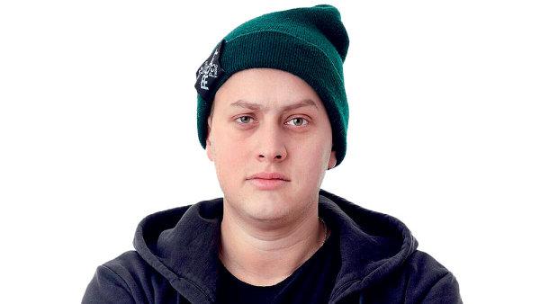"""Jord Nikov měl původně studovat obor kuchař-číšník. Místo halušek ale dnes """"vaří"""" slovenské digitální kampaně."""