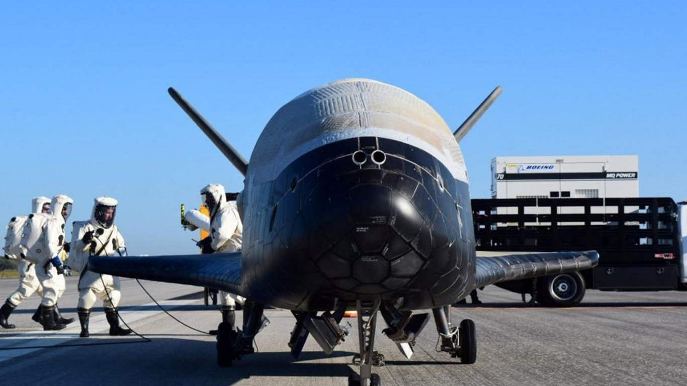 X-37B, raketoplán