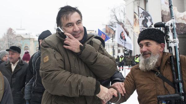 Saakašvili k výslechu nepůjde, policii pozval do stanového města