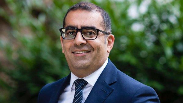 Omar Sattar (48) je od roku 2011 generální ředitel české kanceláře mezinárodní realitněporadenské společnosti Colliers.