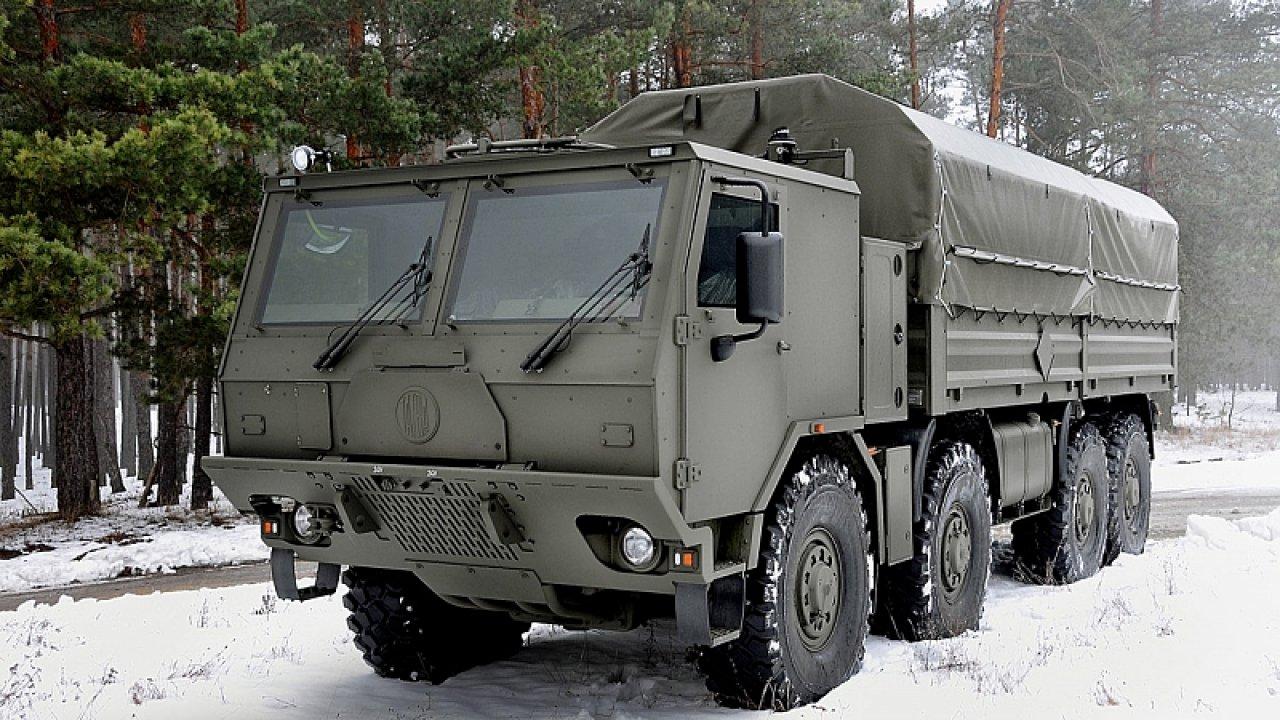 Jako dodavatele šesti desítek speciálních nákladních vozidel vybralo ministerstvo přímo společnost Tatra Trucks, která armádě dodává i jiné typy nákladních automobilů.