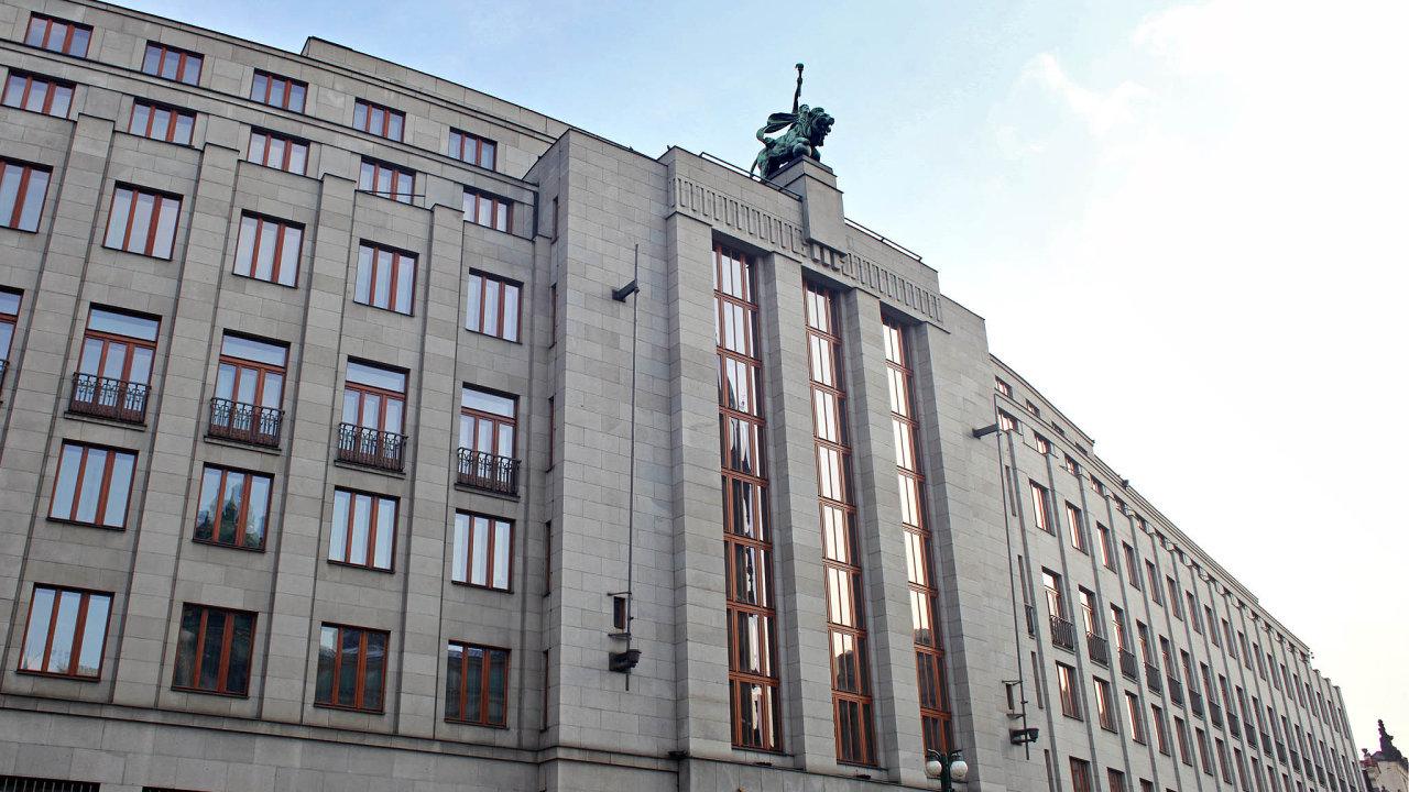 Na českém finančním trhu působilo na konci června 46 bank, poboček zahraničních bank a stavebních spořitelen - Ilustrační foto.