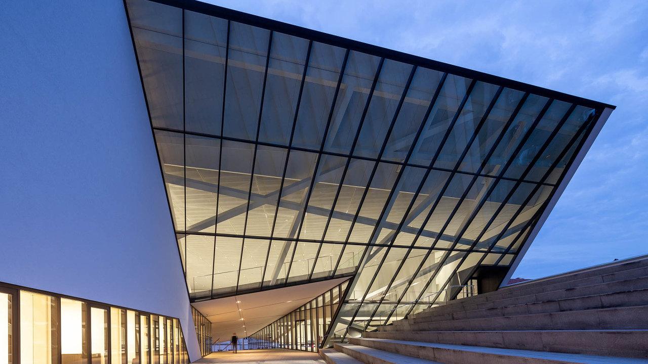 Budovu MO veVilniusu navrhl proslulý americký architekt Daniel Libeskind.