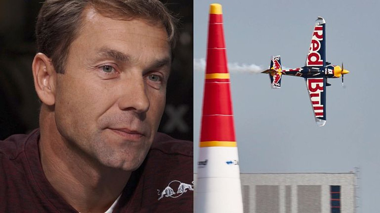 Mistr světa Red Bull Air Race Martin Šonka: Rozhoduje každá chybička, pilotujeme zadkem.