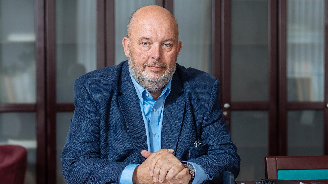 Ministr zemědělství Miroslav Toman navrhl vznik nových komisí, které budou mít na starosti problematiku kritického sucha.