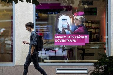 T-Mobile se pochlubil, že průměrný objem dat přenesený v rámci marketingové akce činil 12,6 GB na jednu telefonní kartu.