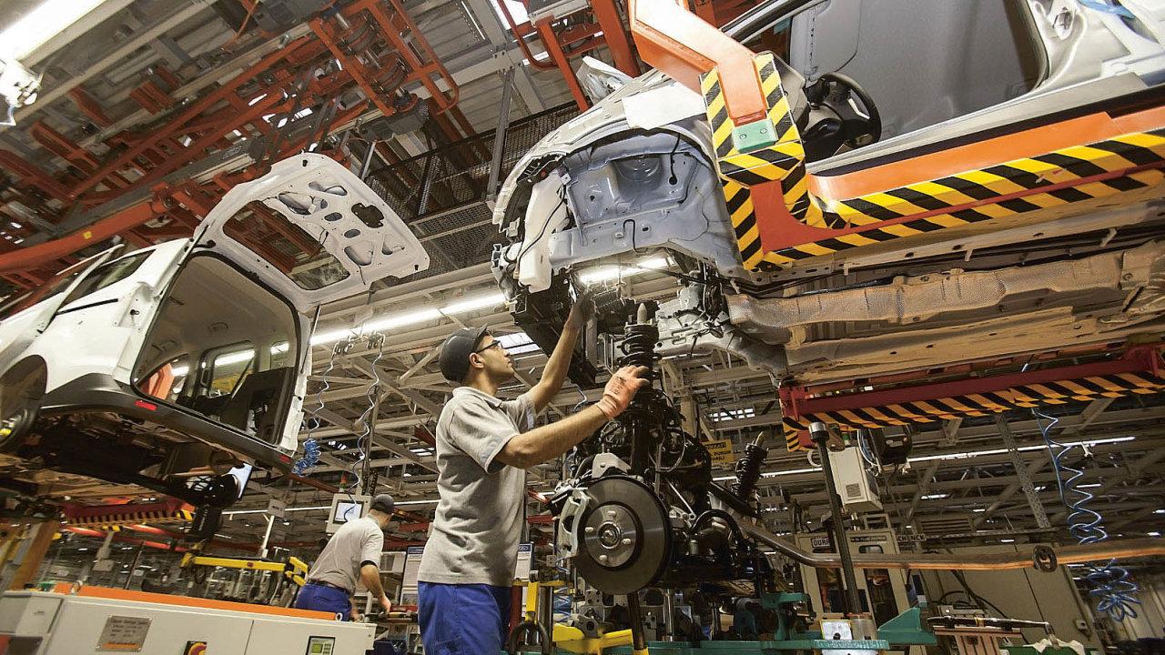 Nehledě nazměny výroby alogistiky kvůli nástupu výroby elektromobilů klesá už nyní vautomotive počet lidí, kteří vykonávají jednoduché montážní úkony, ale roste poptávka pokvalifikovaných profesích.