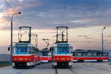Dopravnímu podniku hlavního města Prahy chybí řidiči tramvají i autobusů.