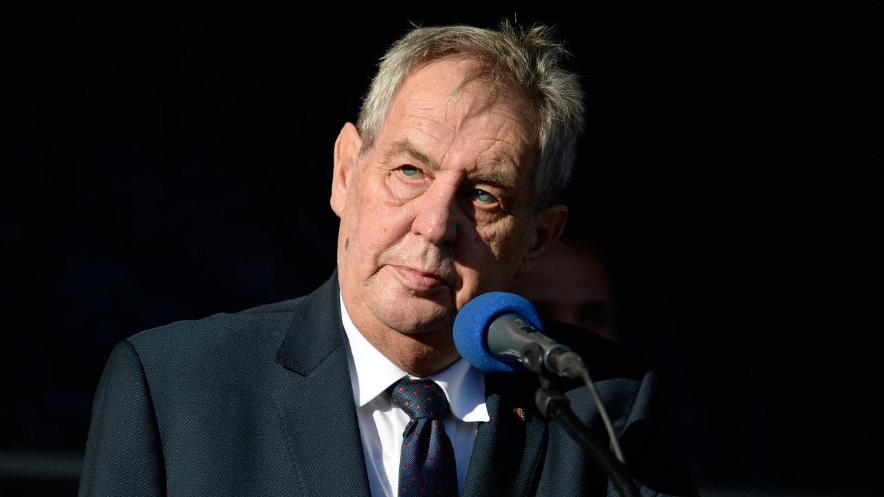 Prezident Miloš Zeman navrhuje jen dočasně snížit daně.