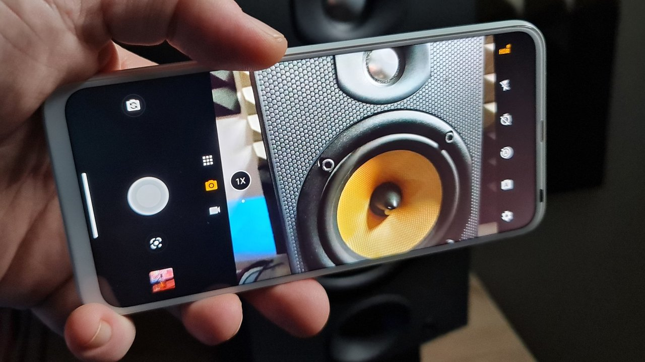 Motorola One Fusion+ má skrytou selfie kamerku, vydrží i tři dny a umí překvapit kvalitou snímků