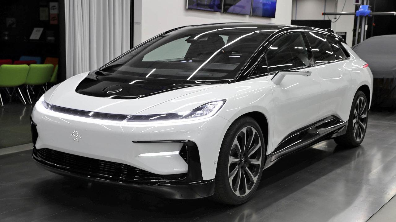 Vlajkový vůz FF91: Automobilce Tesla chce start-up Faraday Future konkurovat svým futuristicky vyhlížejícím SUV.