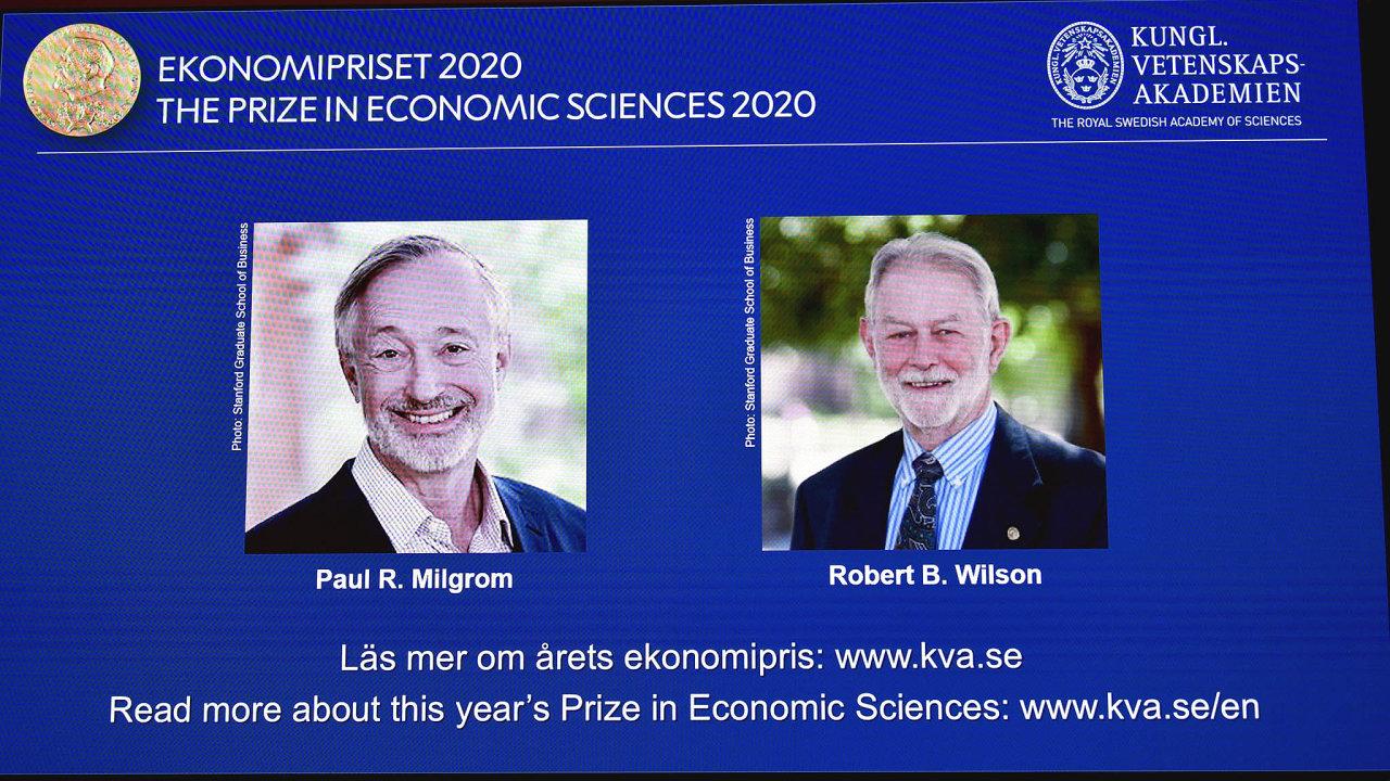 Paul Milgrom aRobert Wilson získali letošní Nobelovu cenu zaekonomii zavylepšení teorie aukcí avynálezy nových formátů aukcí.