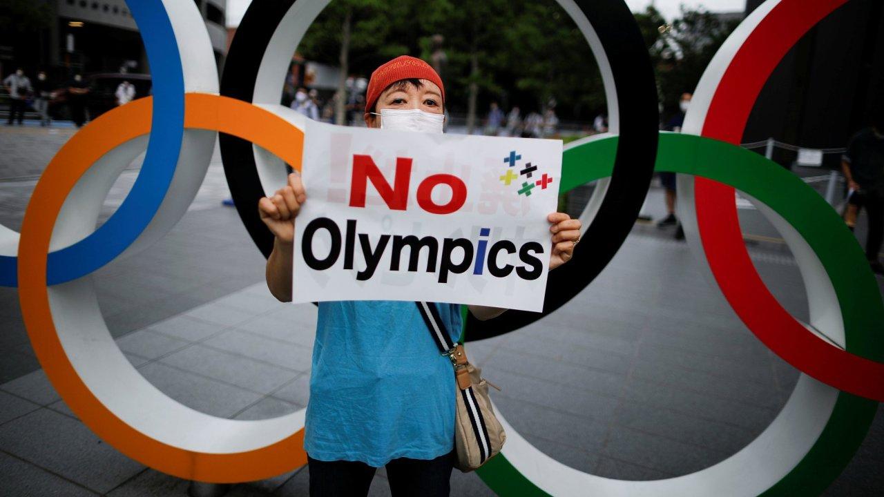 Demonstrace proti konání olympijských her v Tokiu