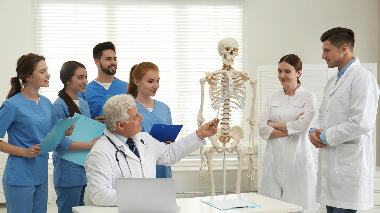 studenti, medik, medici, výuka