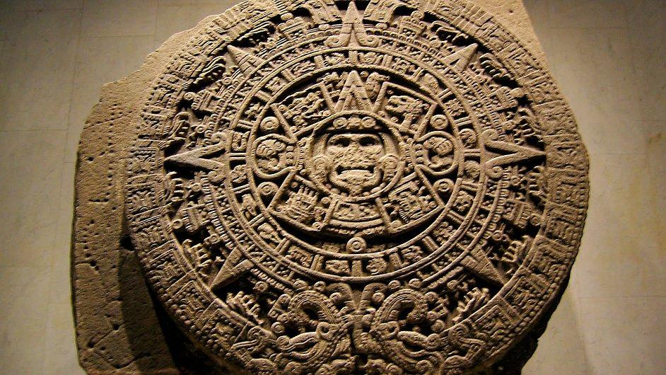 """Aztécký """"kalendářní kámen"""""""
