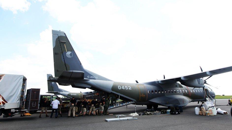 Armádní letoun CASA.
