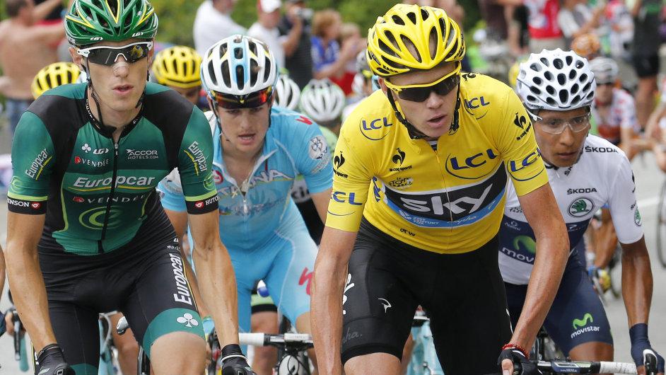 Chris Froome (ve žlutém) patří k největším střízlíkům profipelotonu