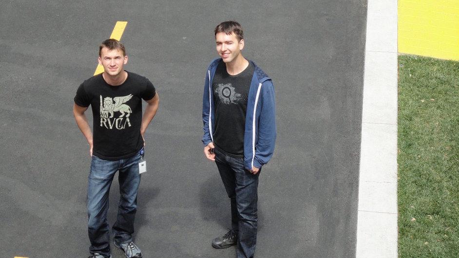 Martin Čech (vlevo) a Stanislav Basovník v sídle Facebooku v Menlo Park