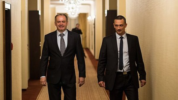 Budoucí prezident Slovenska Andrej Kiska (vlevo)