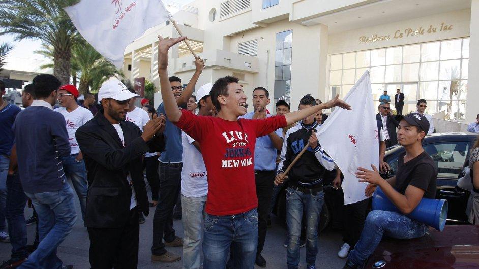 Příznivci strany Hlas Tuniska v ulicích hlavního města