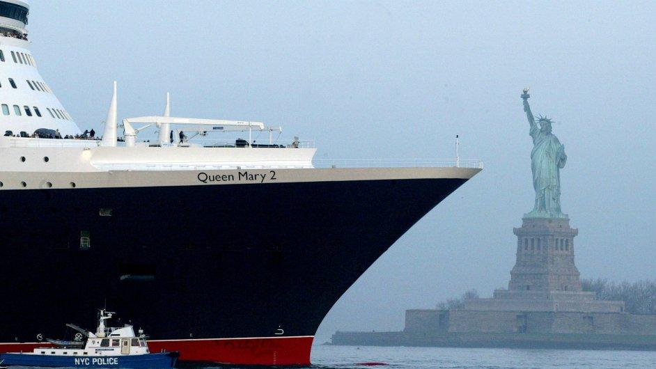 Zaoceánská loď se blíží k břehům USA