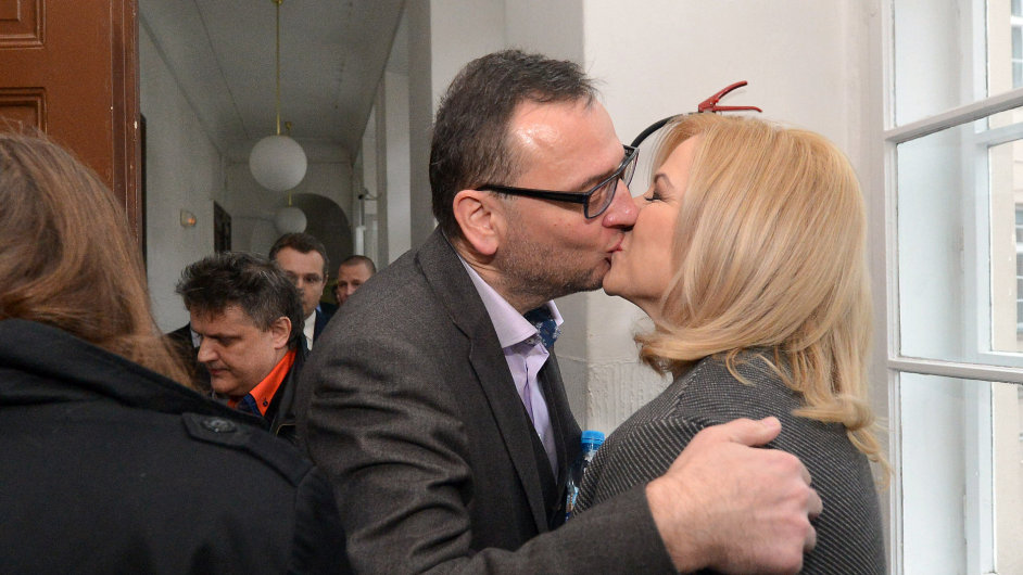 Jana Nečasová, dříve Nagyová dorazila s Petrem Nečasem k soudu ve věci zneužití Vojenského zpravodajství.