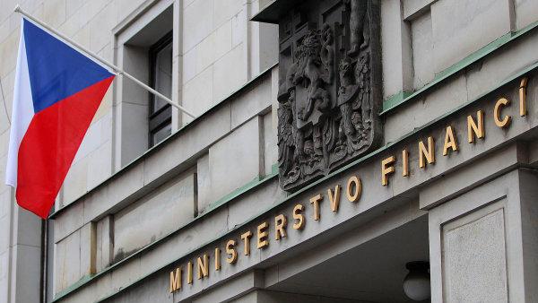Sebastian Pawlowski zahajuje arbitr� s �eskem pot�, co ministerstvo financ� odm�tlo mimosoudn� vyrovn�n�.