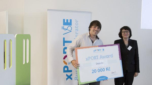 Martin Žák s výhrou, kterou získal jeho projekt v podnikatelském akcelerátoru xPort.