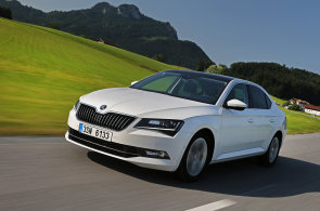 Jedenáct manažerských aut se podle výrobců spokojí nejvýše se čtyřmi litry nafty