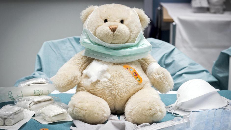 Návštěvníci si zkusí například chirurgické šití na plyšovém medvědovi. - Ilustrační foto.