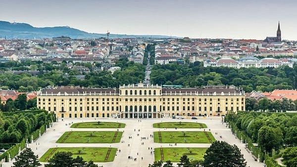 Nejlepším místem k životu je Vídeň, která díky zvýšené bezpečnosti v Evropě sesadila z trůnu Melbourne. Praha je až šedesátá