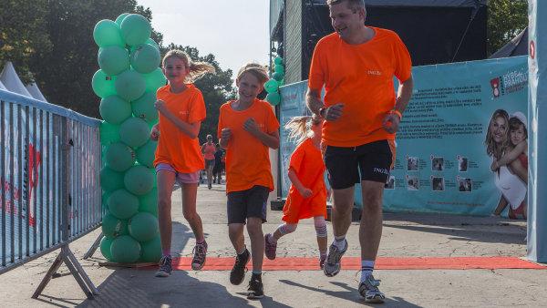 Šéf ING Bank běžel i s rodinou