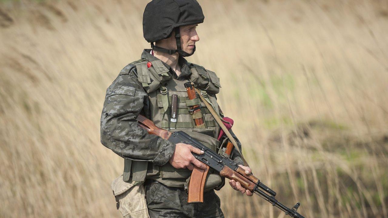 Voják u postu nedaleko Slavjansku