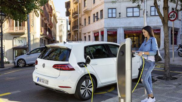 Volkswagen chce propůjčováním elektromobilů zpopularizovat tento typ vozidel - Ilustrační foto.