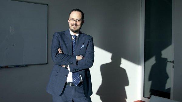 Jan Hadrava, odborník na fúze a akvizice společnosti PwC ČR, upozorňuje, že v minulém roce počet transakcí překonal počty, které na trhu probíhaly před nástupem finanční krize v roce 2008.