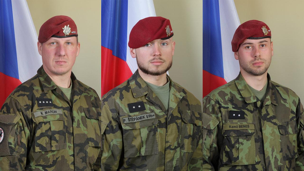 Rotný Martin Marcin a desátníci Patrik Štěpánek a Kamil Beneš (zleva). Tři čeští vojáci, kteří zahynuli v Afghánistánu při sebevražedném útoku.