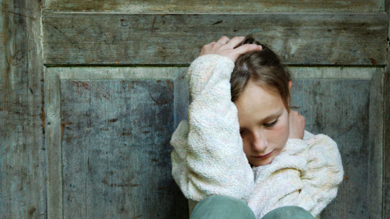 Deprese u dětí? Na vině je zneužívání, chudoba i geny. Internet dává návody, jak se zabít, říká Uher