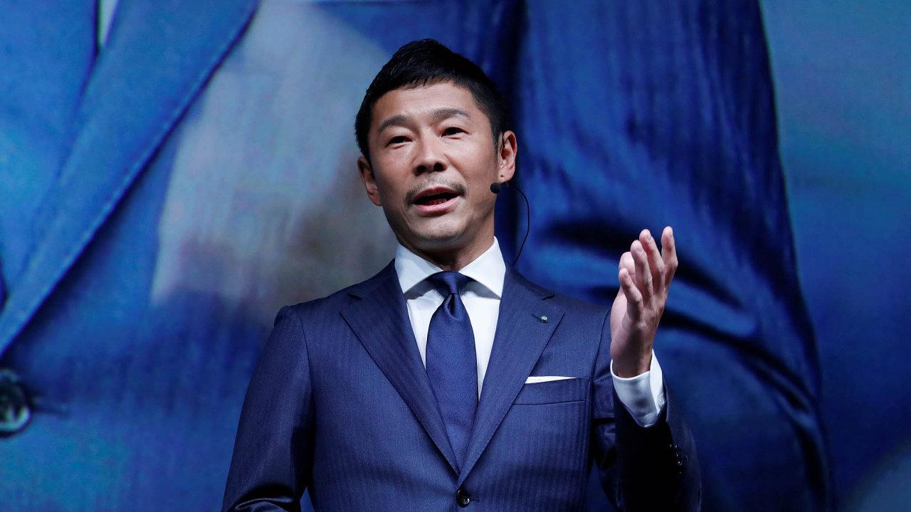 Japonec Yusaku Maezawa je sběratelem umění i módním magnátem. Teď se chystá obletět Měsíc.