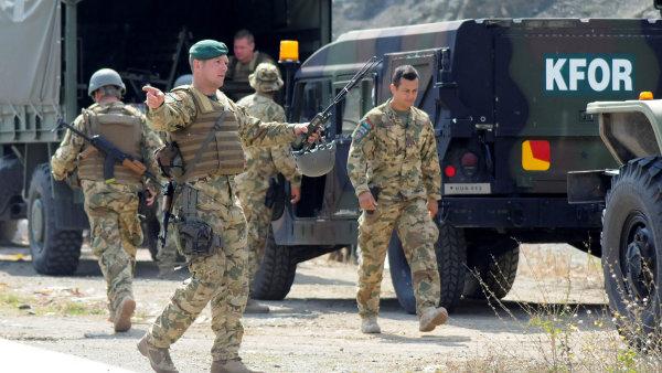 Kosovo oficiálně schválilo vznik vlastní armády, Srbové se proti tomu ale hlasitě bouří