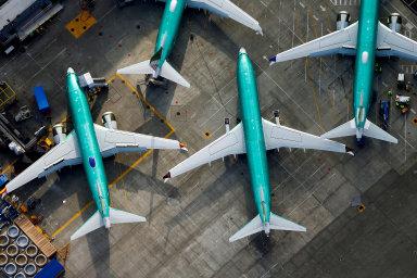 Při nehodách letadel 737 Max loni v říjnu v Indonésii a letos v březnu v Etiopii zahynuli pasažéři. Společnost čelí obviněním od jejich rodin.