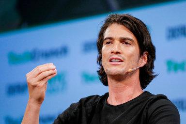 Společnost WeWork založil v roce 2010 Adam Neumann se svou ženou a investičním bankéřem Joelem Schreiberem.