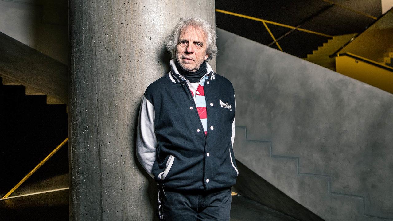 Serge Grimaux (nasnímku) je novým provozovatelem Fora Karlín. To funguje odroku 2014, dříve ho vlastnil Zdeněk Bakala, majitel vydavatelství Economia, jež publikuje také HN.