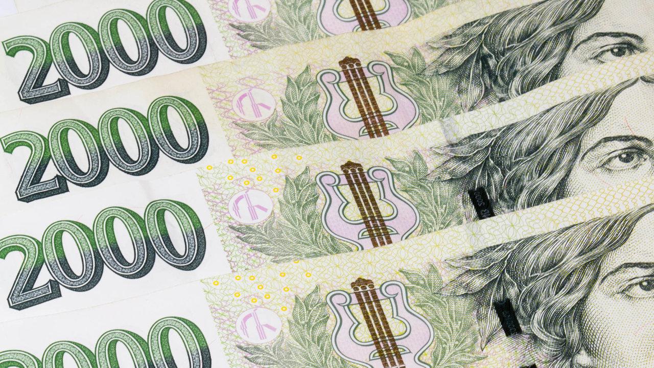 Ústavní soud zrušil poplatek 10 tisíc korun zapodání podnětu v případě podezření, že mohlo dojít kporušení zákona ozadávání veřejných zakázek, loni v listopadu. Tím zpřístupnil veřejnou kontrolu.